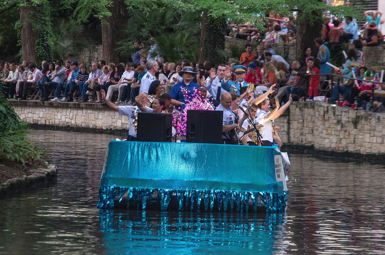 River Parade 160419-F-YQ806-045