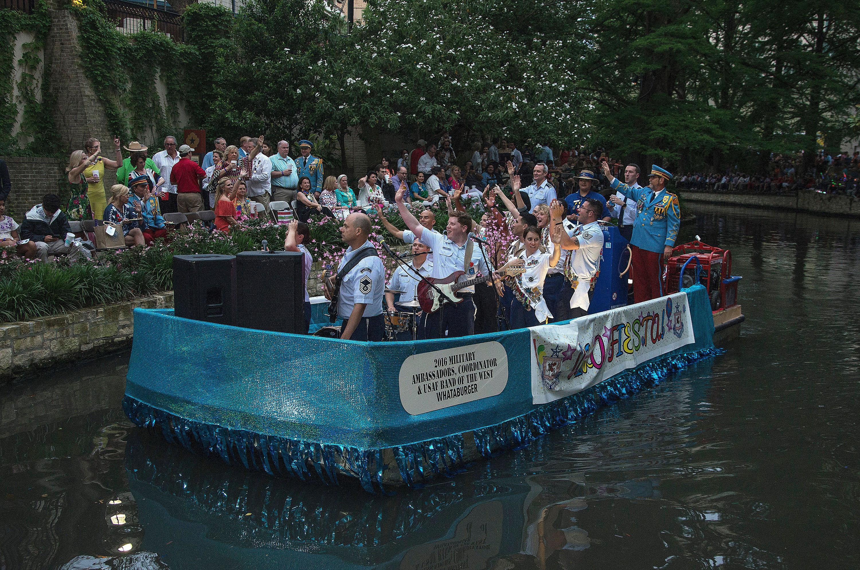 River Parade 160419-F-YQ806-061