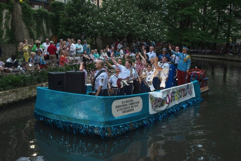 River Parade 160419-F-YQ806-061